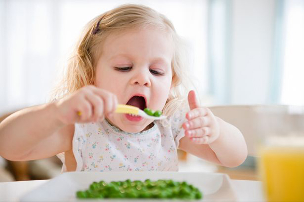 Bố mẹ hãy thử miêu tả mùi vị của các món ăn cho con thử nhé