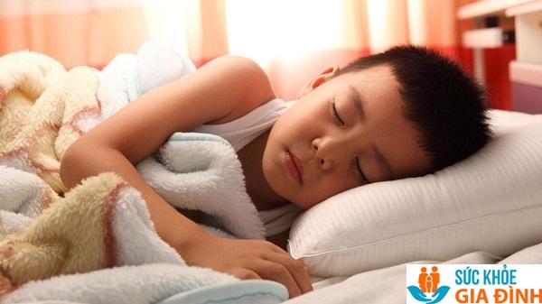 Ngủ sớm và đủ giấc giúp tuyến yên sản sinh ra nhiều hormone