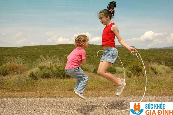 Nhảy dây giúp trẻ phát triển chiều cao tốt