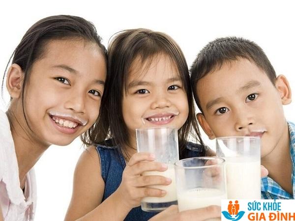 Sữa chứa giá trị dinh dưỡng cao giúp chiều cao phát triển tốt